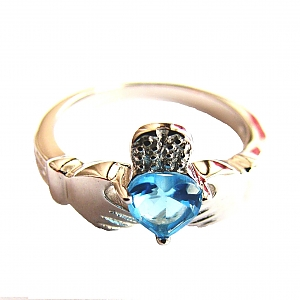 Кладдахское кольцо с голубым топазом